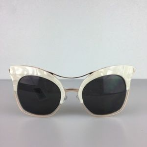 NWT Perverse Fabulosa Sunglasses OS